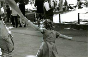 petite fille pressée
