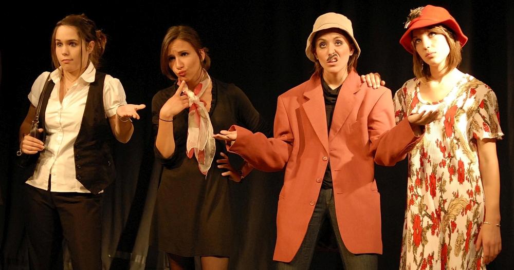 4 filles déguisées